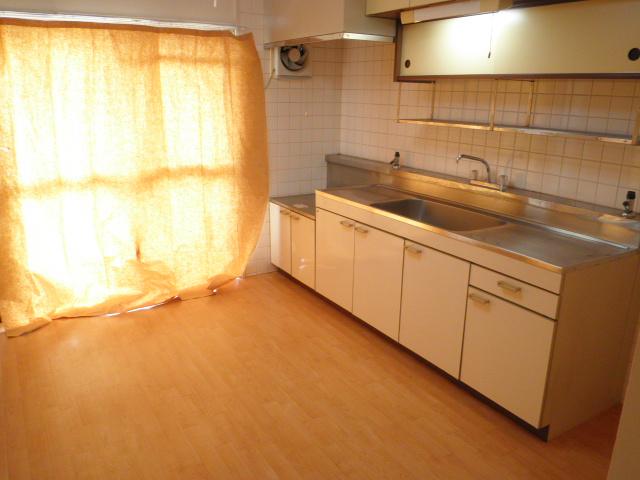 オーリン7号ビル 603号室のキッチン