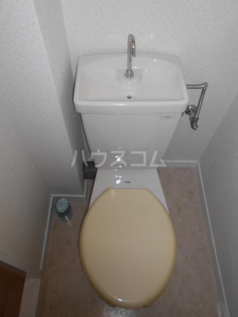 オーリン6号ビル 403号室のトイレ