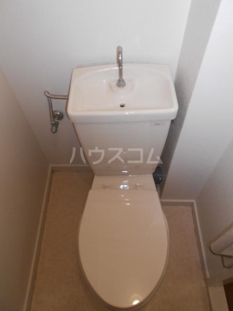 オーリン6号ビル 404号室のトイレ