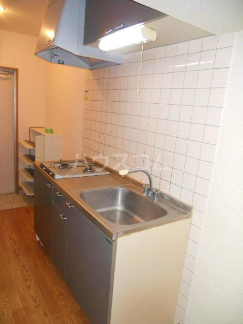 フラワーハイツF 103号室のキッチン