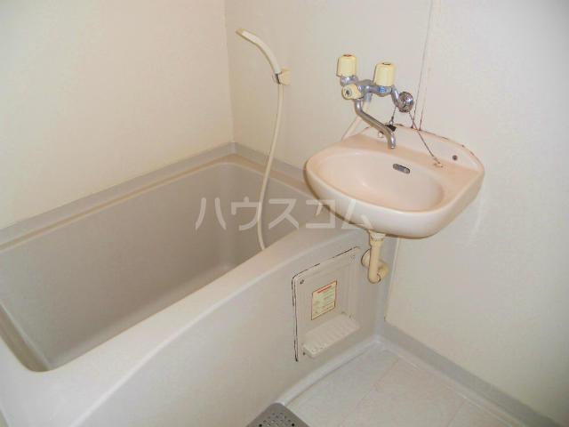 フラワーハイツF 103号室の風呂