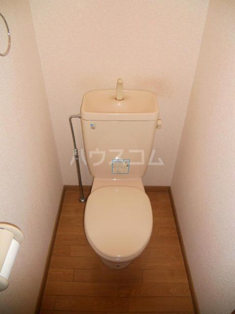 フラワーハイツF 103号室のトイレ