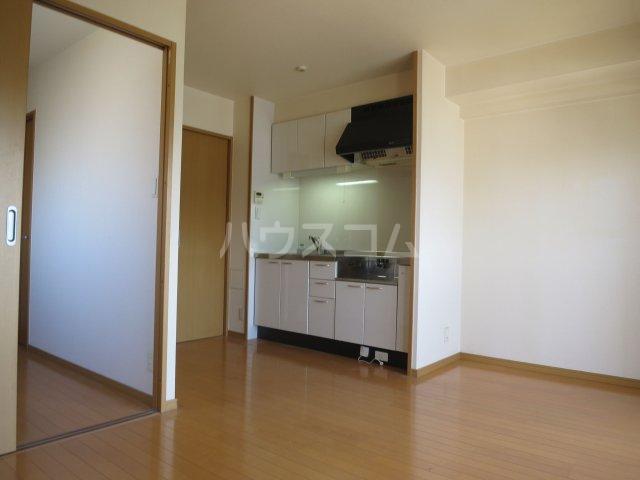 スカイシャトレ箱崎南 1006号室のキッチン