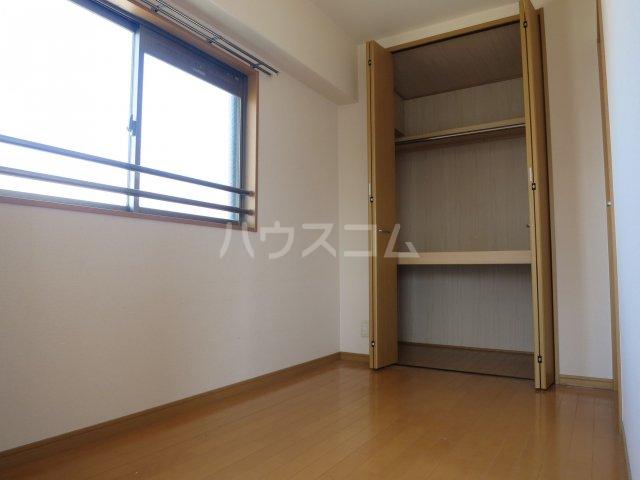 スカイシャトレ箱崎南 1006号室のベッドルーム