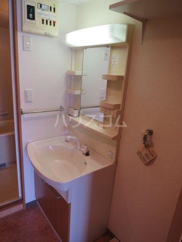 スカイシャトレ箱崎南 1006号室の洗面所