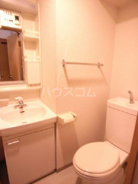 ダイナコートエスタディオ東公園Ⅲ 804号室の洗面所