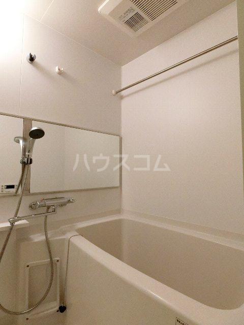 ネストピア呉服町 202号室の風呂