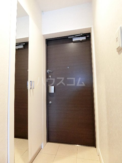 ネストピア呉服町 202号室の玄関