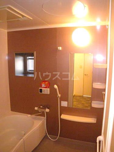 スルス門松Ⅱ 102号室の風呂