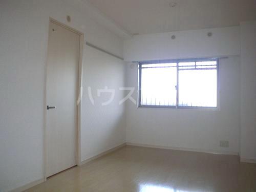 スルス門松Ⅱ 102号室のベッドルーム