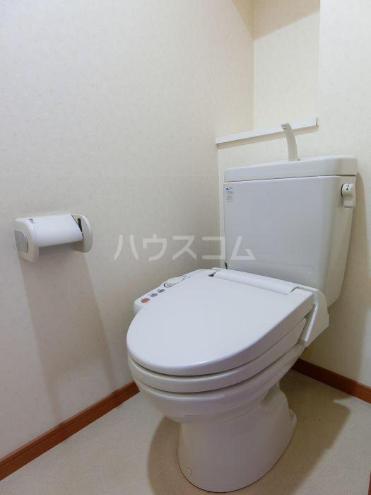 レジデンス空港北 407号室のトイレ