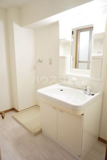 シャルム空港南 203号室の洗面所