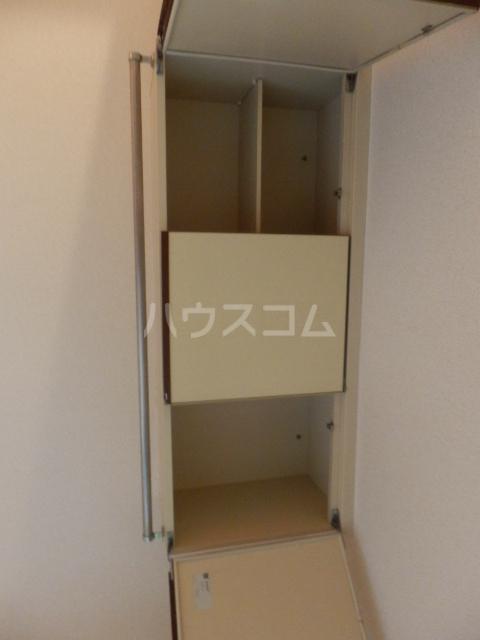 メゾン・ド・シュミネ 206号室の収納