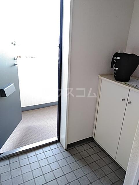 シャテニエヒルズ 203号室の玄関
