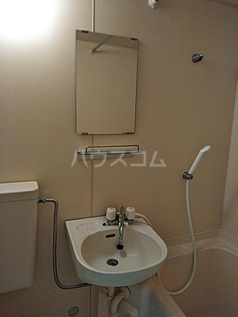 ル・ソレイユ自由が丘 306号室の洗面所