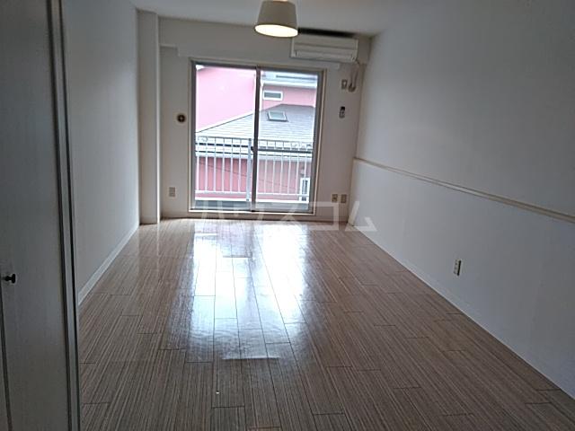 ル・ソレイユ自由が丘 306号室の居室