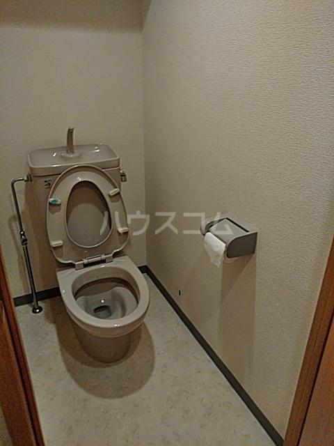 パーシモンヒルズ 305号室のトイレ