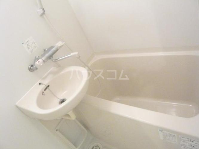 タケオクリスタル等々力 202号室の風呂