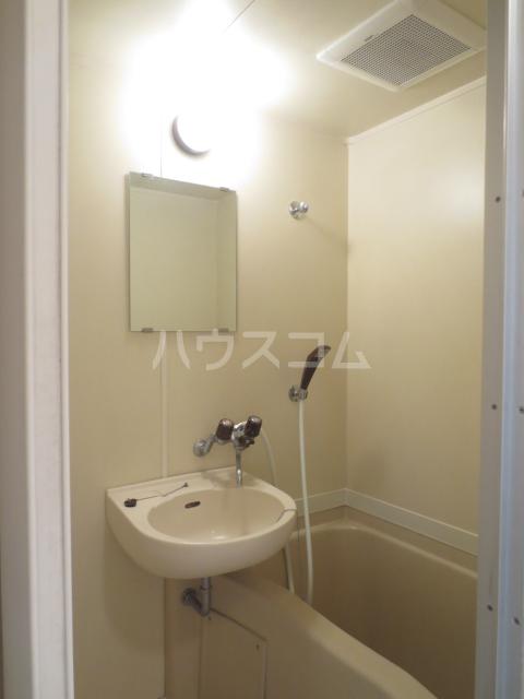 ゾンネ等々力 701号室の風呂