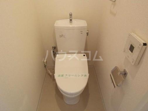 カスタリア尾山台 305号室のトイレ