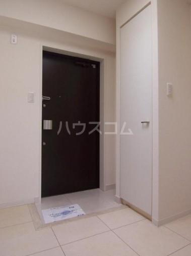 カスタリア尾山台 305号室の玄関