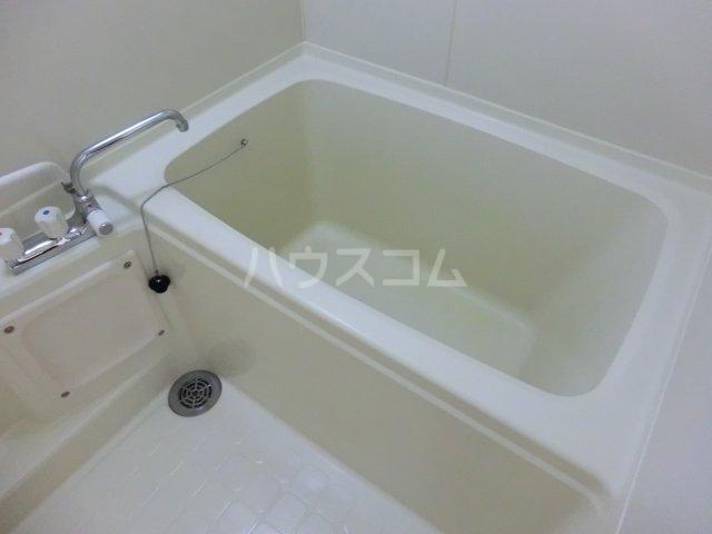 サンパーク駒沢 601号室の風呂