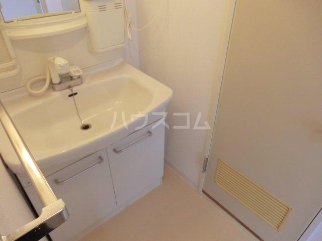 サンパーク駒沢 601号室の洗面所