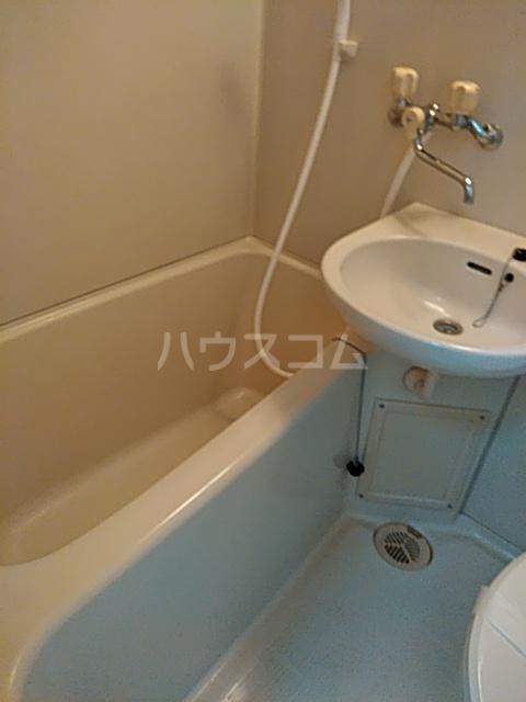 グリーンヒル等々力 203号室の風呂