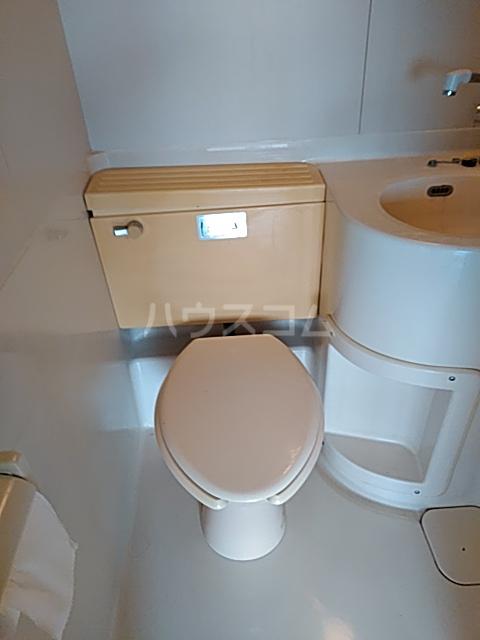 ジョイ尾山台 502号室のトイレ