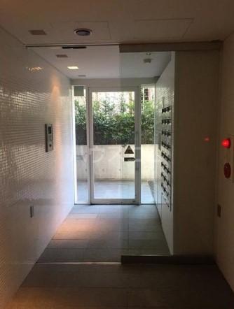 プラチナコート自由が丘 305号室のエントランス