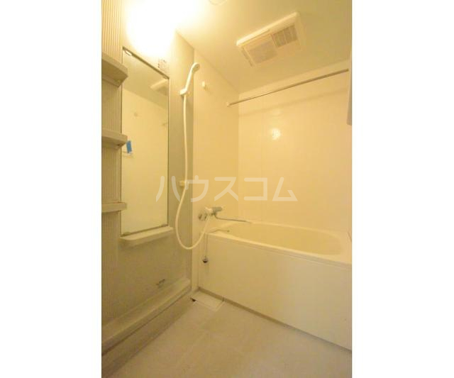 Y'scourt 103号室の風呂