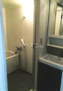 第10大協ビル 401号室の洗面所