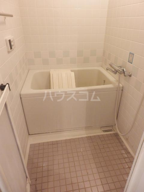 第2ベルハウス 201号室の風呂