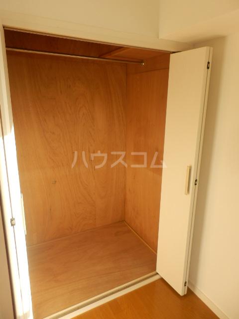 第2ベルハウス 201号室の収納