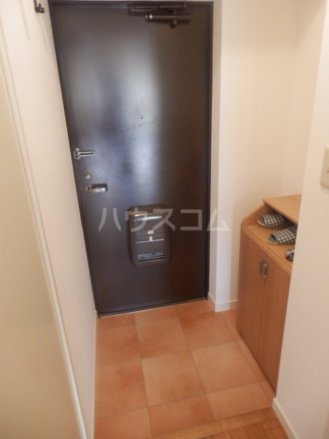 第2ベルハウス 201号室の玄関