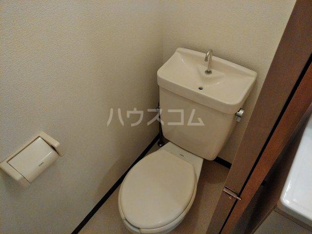 ハウス大岡山 105号室のトイレ