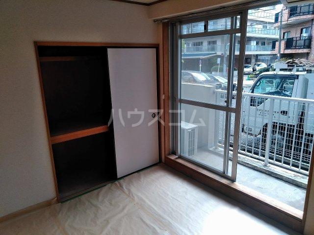 ハウス大岡山 105号室の居室