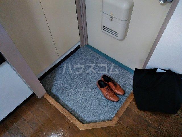 ハウス大岡山 106号室の玄関