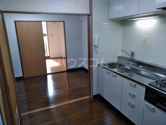 ハウス大岡山 106号室のキッチン