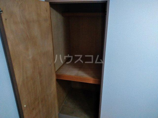 ハウス大岡山 106号室の収納