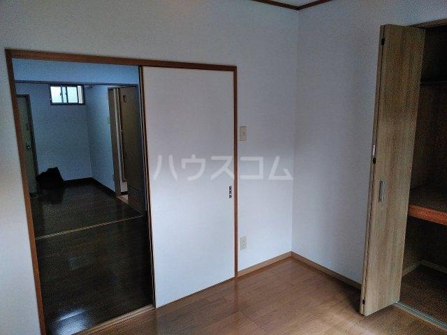 ハウス大岡山 106号室の居室