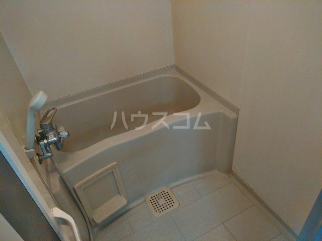 ハウス大岡山 106号室の風呂