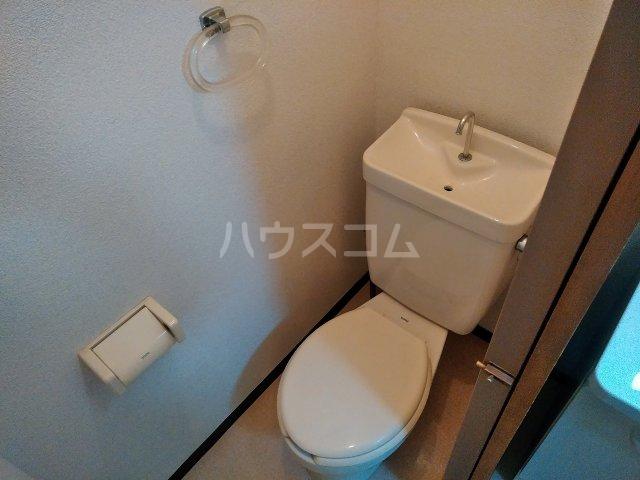 ハウス大岡山 106号室のトイレ
