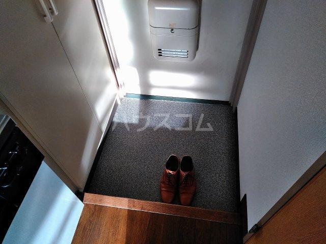 ハウス大岡山 407号室の玄関