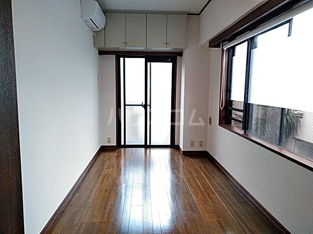 コンフォーレ 204号室の居室