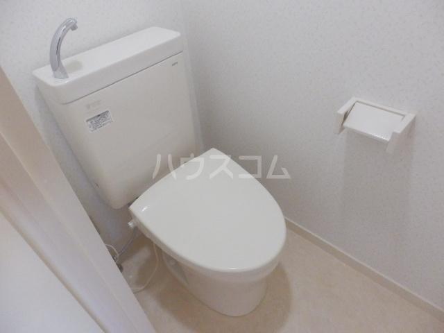 ネオハイツ玉堤 101号室のトイレ