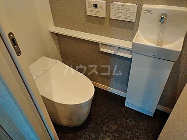 シャトーライフ自由が丘1 401号室のトイレ