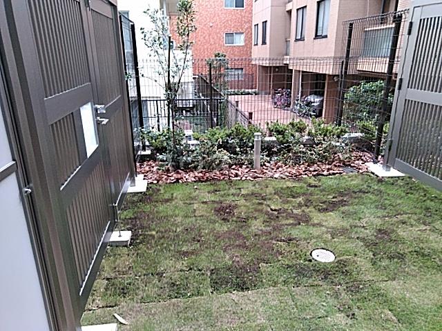 フェルクルールプレスト都立大学 103号室の庭