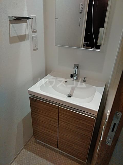フェルクルールプレスト都立大学 203号室の洗面所
