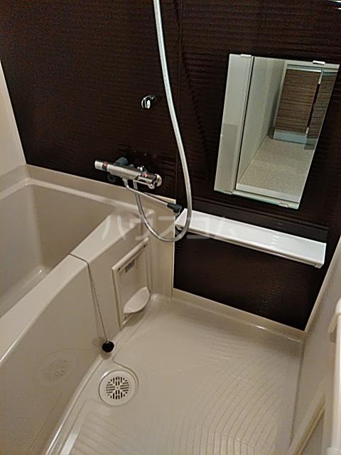 フェルクルールプレスト都立大学 302号室の風呂